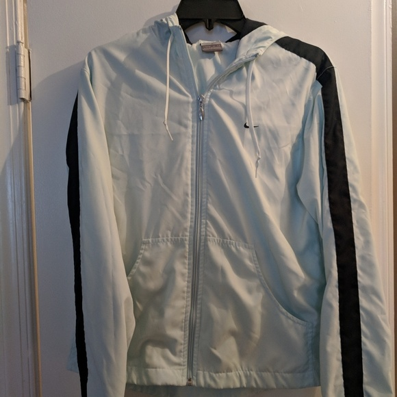 3b3dc07655 Soft Light Blue Nike Zip Up Windbreaker Jacket M. M 5bf97247e944ba97e51ad650